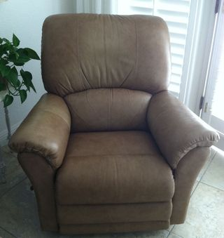 Brown recliner before.